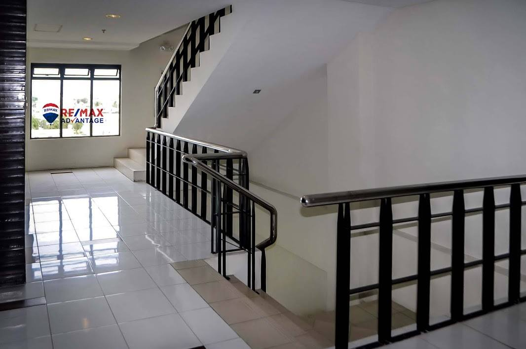 Two Bedroom Uptown Place Condo Unit For Rent Or For Sale